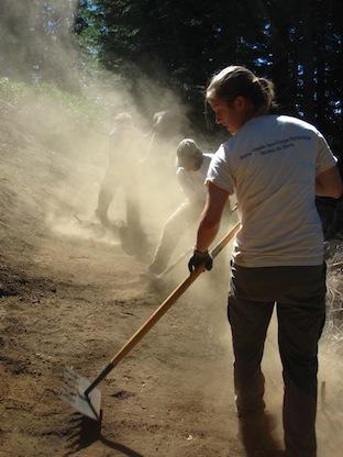 EagleRock-AmeriCorps-Volunteers-Working